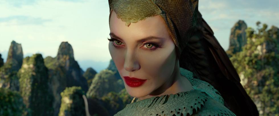 Tiên hắc ám 2: Ngoài dàn diễn viên xinh đẹp lộng lẫy là rỗng tuếch - Ảnh 9.