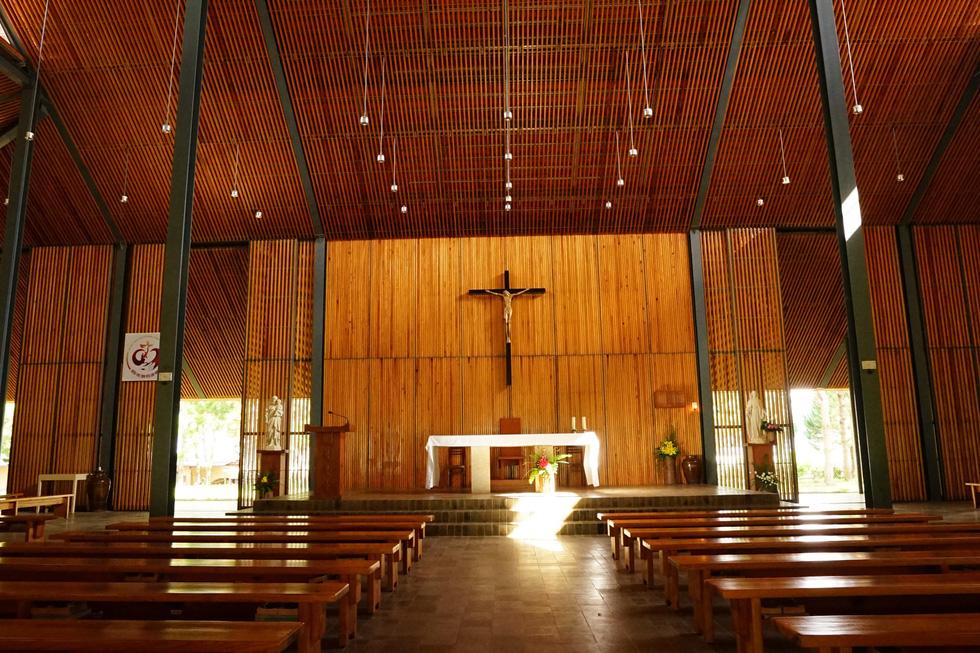 Nhà thờ Ka Đơn - linh hồn Churu giữa rừng Lâm Viên - Ảnh 1.