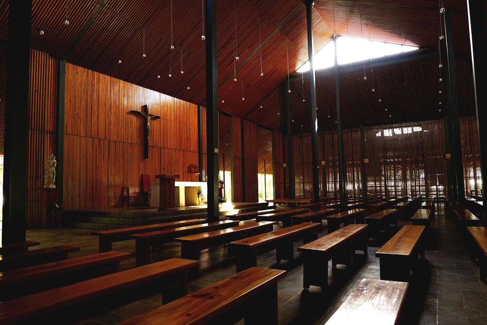 Nhà thờ Ka Đơn - linh hồn Churu giữa rừng Lâm Viên - Ảnh 2.