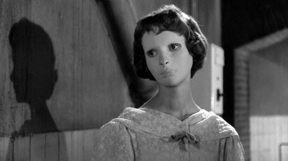 Mùa Halloween, kể tên 10 phim kinh dị gây sốc khiến kẻ la ó, người bỏ về - Ảnh 11.