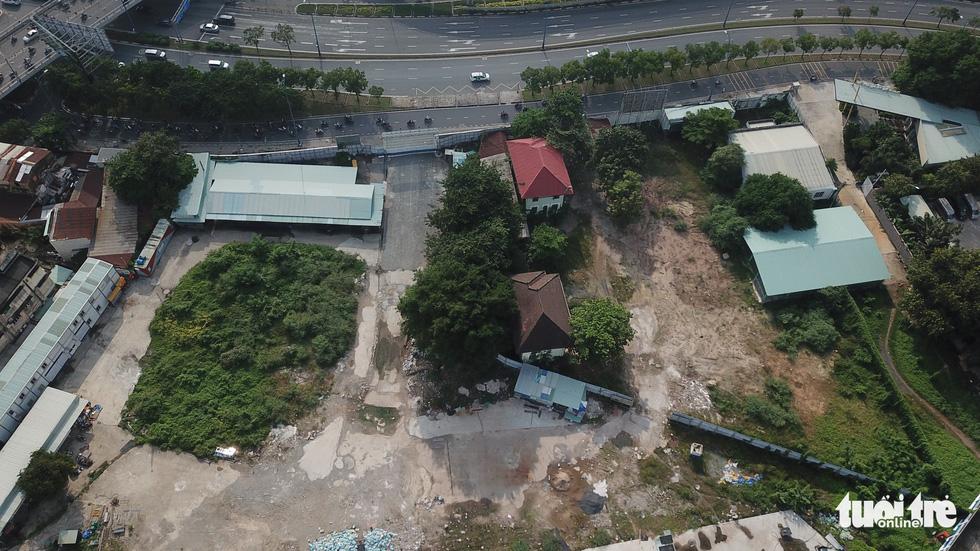 Cận cảnh công trình 35.000m2 xây không phép sẽ bị cưỡng chế tháo dỡ ở TP.HCM - Ảnh 8.