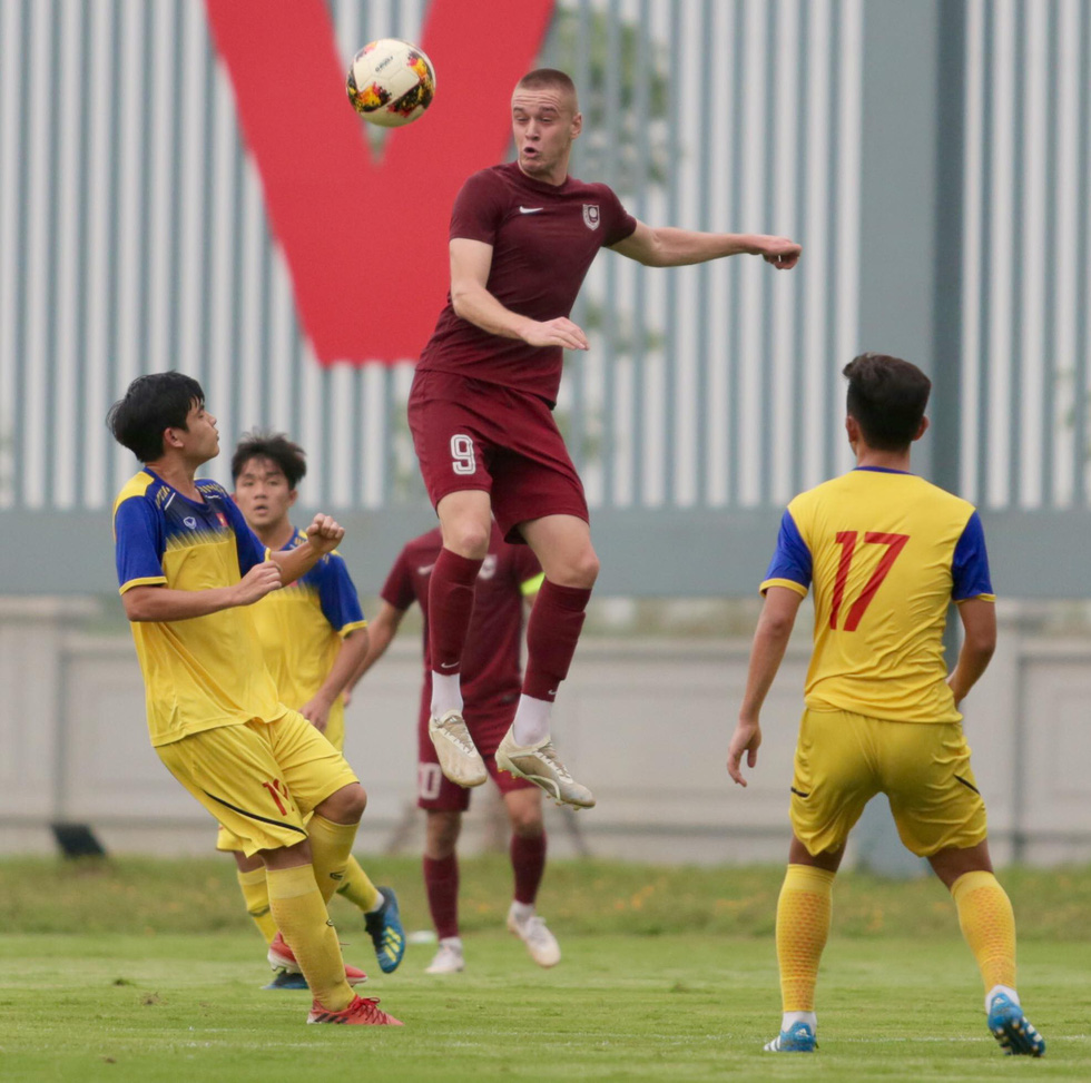 U19 Việt Nam xuất sắc đá bại U19 FK Sarajevo chiều 26-10 - Ảnh 2.