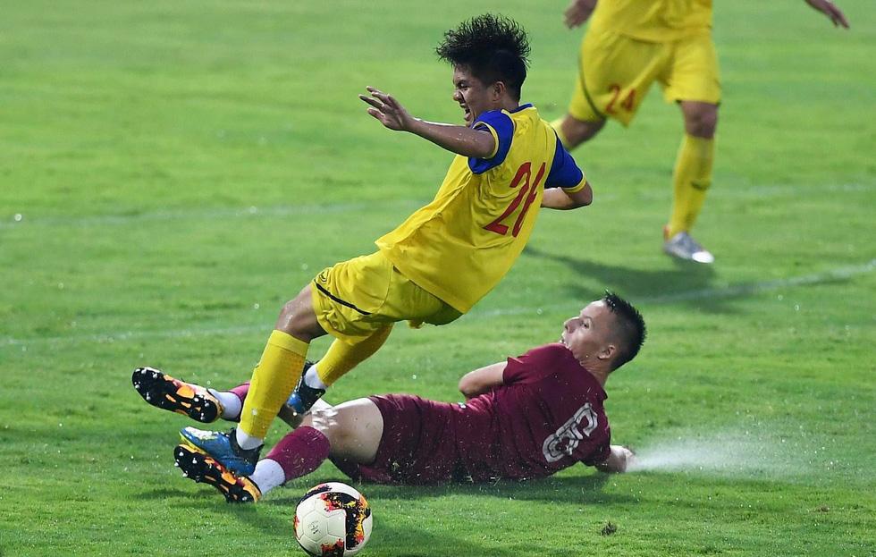 U19 Việt Nam xuất sắc đá bại U19 FK Sarajevo chiều 26-10 - Ảnh 6.