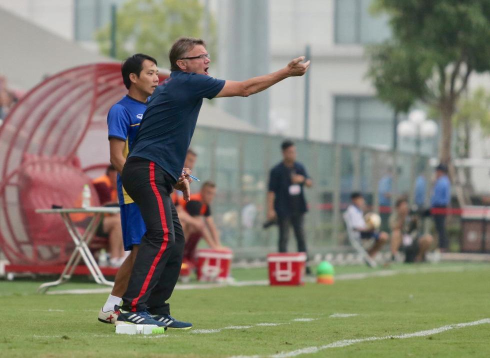 U19 Việt Nam xuất sắc đá bại U19 FK Sarajevo chiều 26-10 - Ảnh 10.