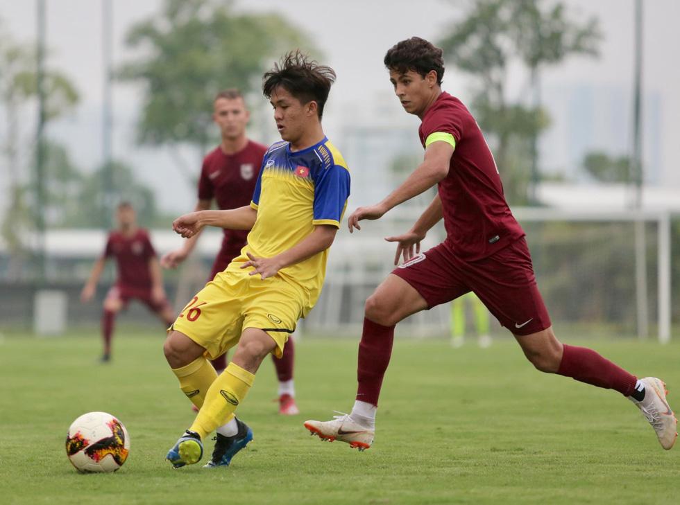 U19 Việt Nam xuất sắc đá bại U19 FK Sarajevo chiều 26-10 - Ảnh 1.