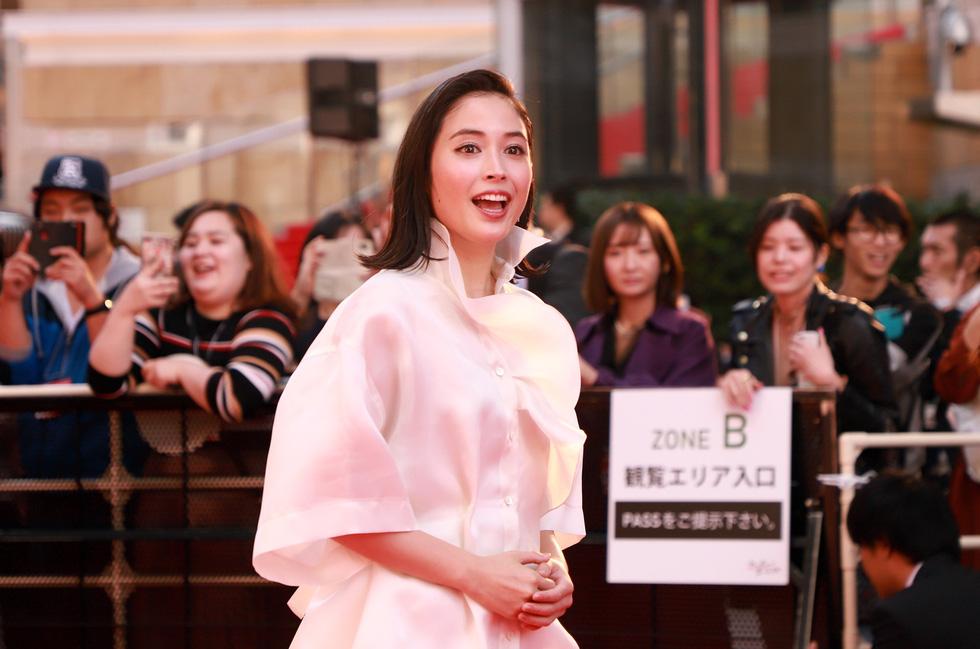 Chương Tử Di, Phan Đăng Di trên thảm đỏ khai mạc Liên hoan phim Tokyo - Ảnh 6.