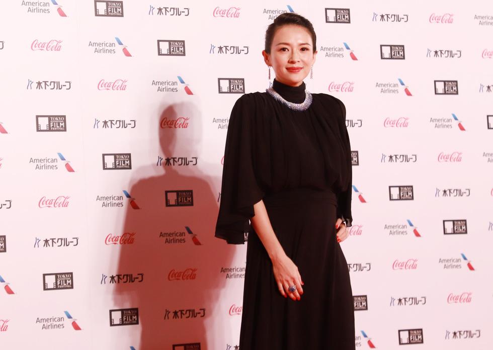 Chương Tử Di, Phan Đăng Di trên thảm đỏ khai mạc Liên hoan phim Tokyo - Ảnh 2.