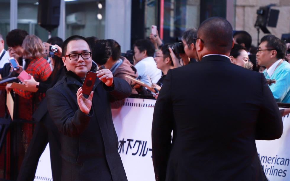 Chương Tử Di, Phan Đăng Di trên thảm đỏ khai mạc Liên hoan phim Tokyo - Ảnh 9.