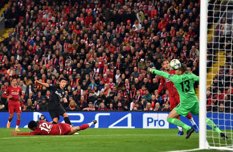 Khoảnh khắc ngôi sao châu Á lừa Van Dijk rồi ghi bàn tại Champions League - Ảnh 3.