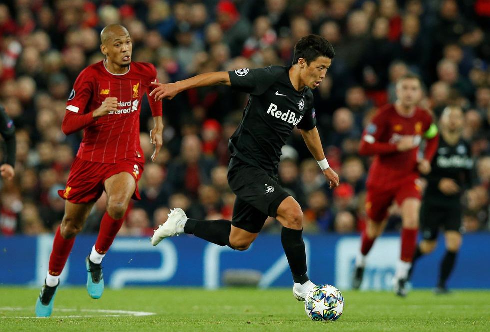 Khoảnh khắc ngôi sao châu Á lừa Van Dijk rồi ghi bàn tại Champions League - Ảnh 7.