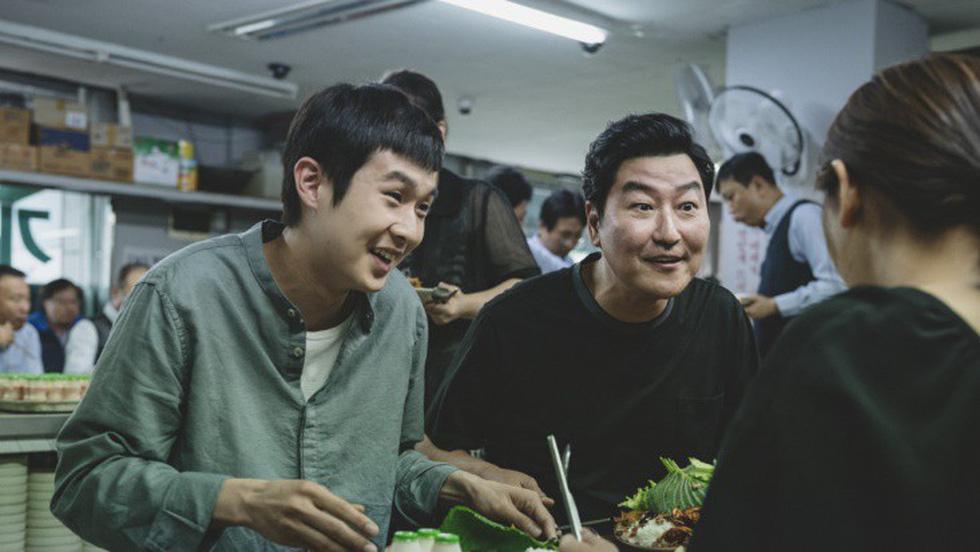 Giải phim Hollywood lần đầu gọi tên đạo diễn Á châu: Bong Joon Ho - Ảnh 3.