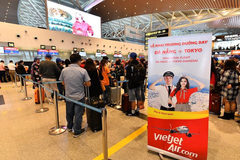 Phi công Vietjet cứ 3-4 ngày làm việc sẽ có 1 ngày nghỉ, chế độ du lịch miễn phí - Ảnh 2.