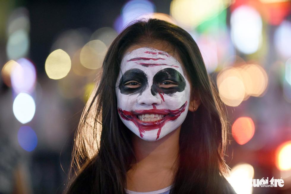 Vui đêm Halloween, Tây ta hòa quyện - Ảnh 11.