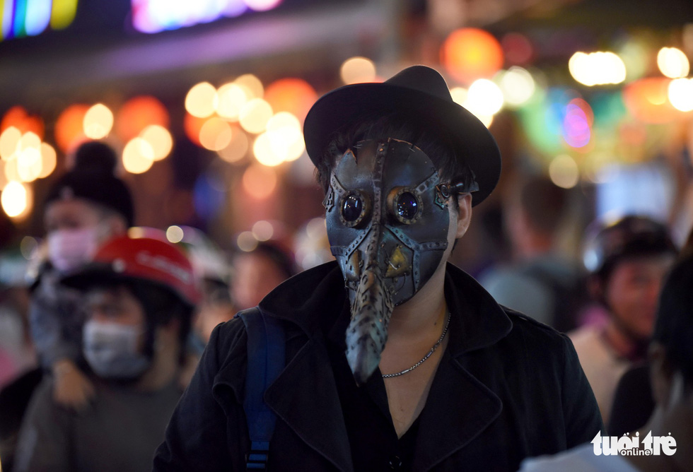 Vui đêm Halloween, Tây ta hòa quyện - Ảnh 13.