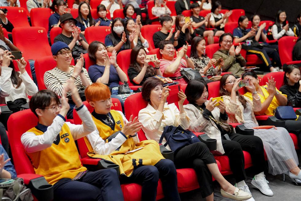 Điện ảnh Việt được chào đón tại liên hoan phim Busan 2019 - Ảnh 10.