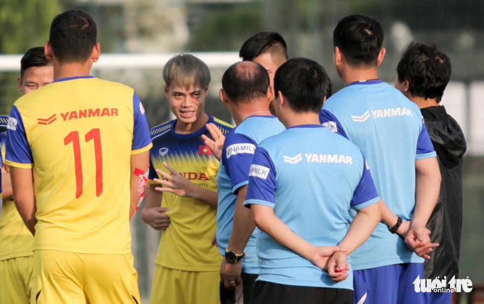 Tuyển Việt Nam thiếu quân tập luyện vì nhóm cầu thủ Hà Nội FC về muộn - Ảnh 3.