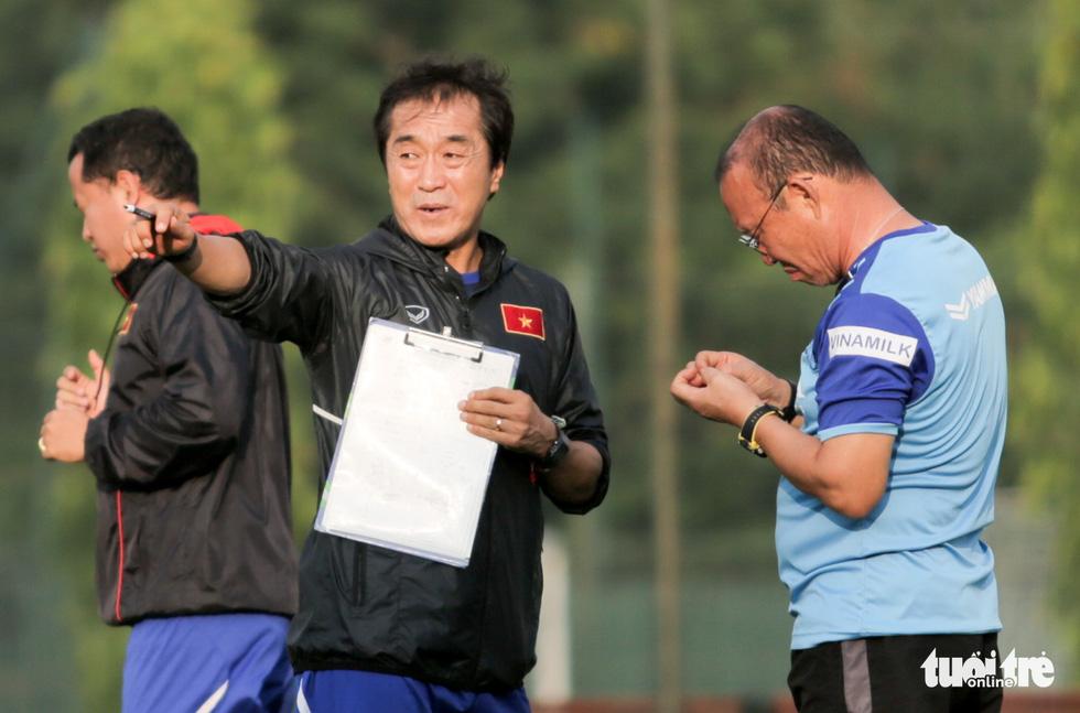Tuyển Việt Nam thiếu quân tập luyện vì nhóm cầu thủ Hà Nội FC về muộn - Ảnh 8.