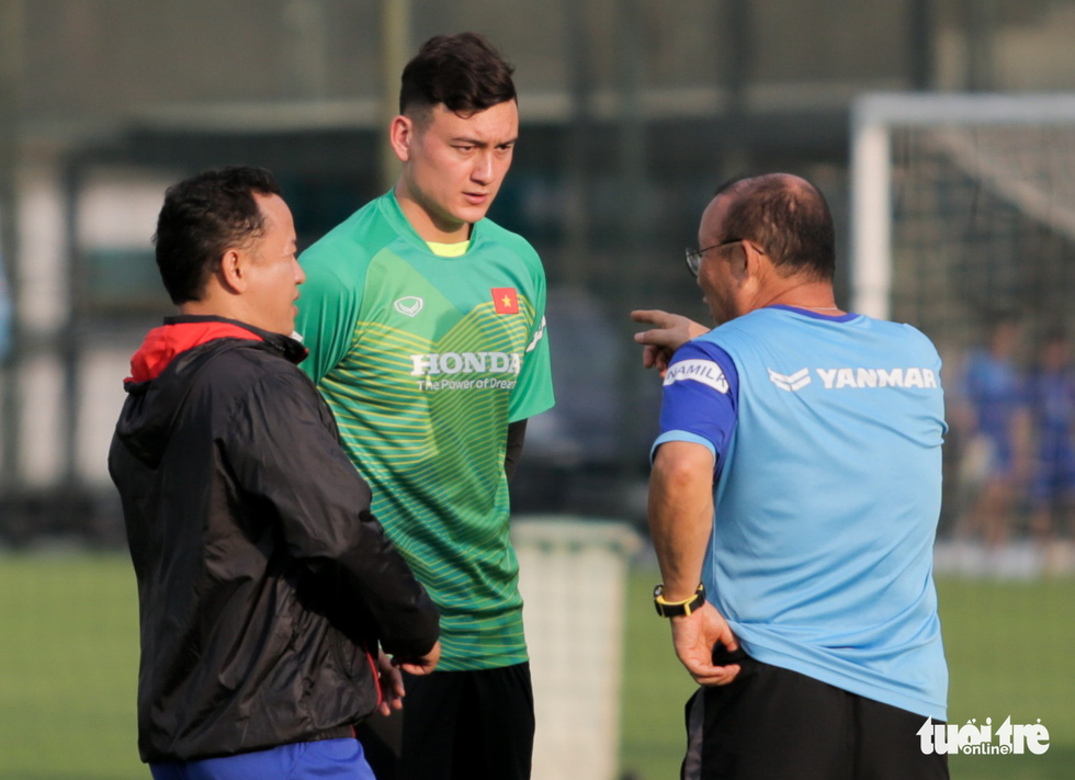 Tuyển Việt Nam thiếu quân tập luyện vì nhóm cầu thủ Hà Nội FC về muộn - Ảnh 7.