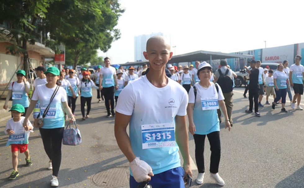 1.000 người đi bộ '5.000 bước chân hạnh phúc' vì bệnh nhân ung thư - Ảnh 3.