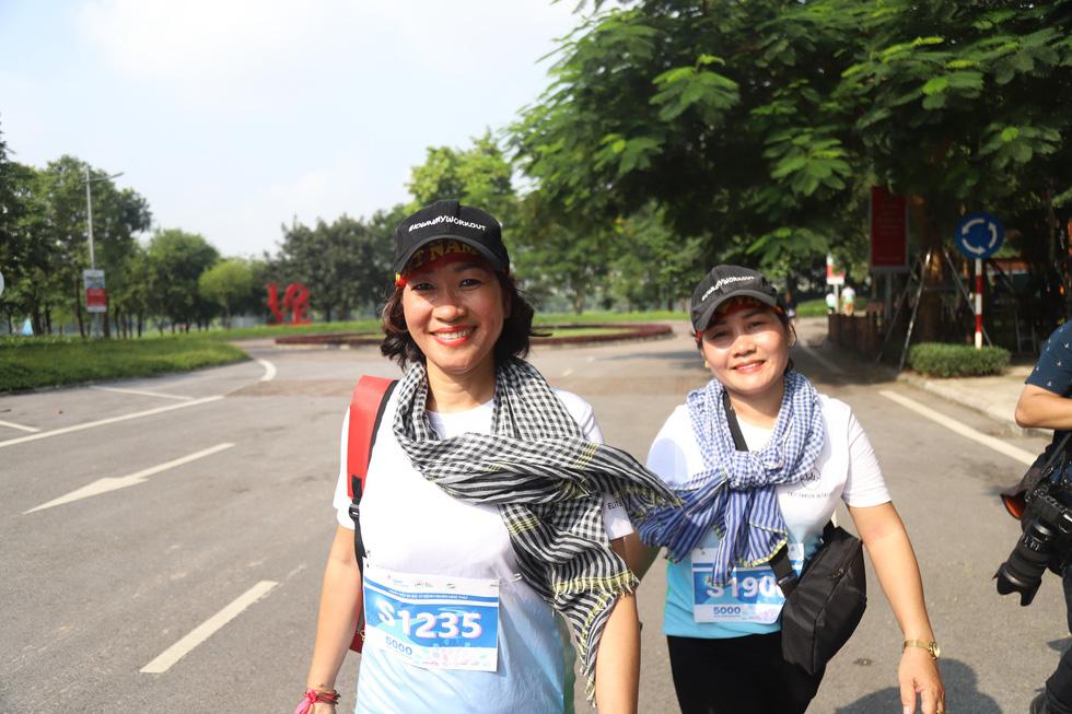 1.000 người đi bộ '5.000 bước chân hạnh phúc' vì bệnh nhân ung thư - Ảnh 10.