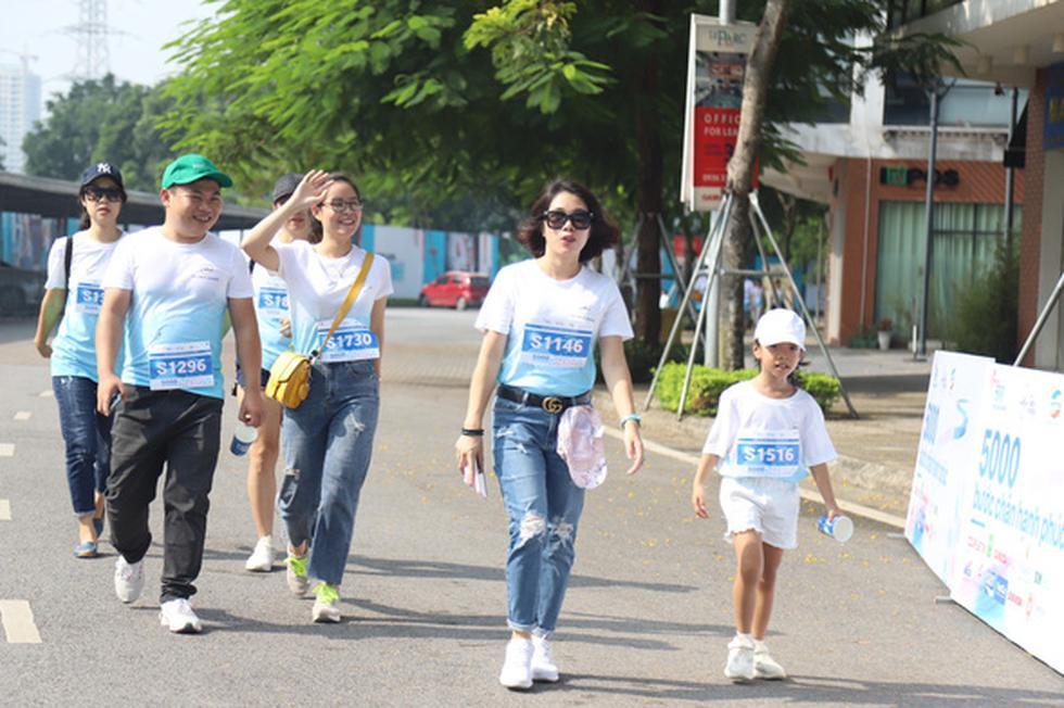 1.000 người đi bộ '5.000 bước chân hạnh phúc' vì bệnh nhân ung thư - Ảnh 11.