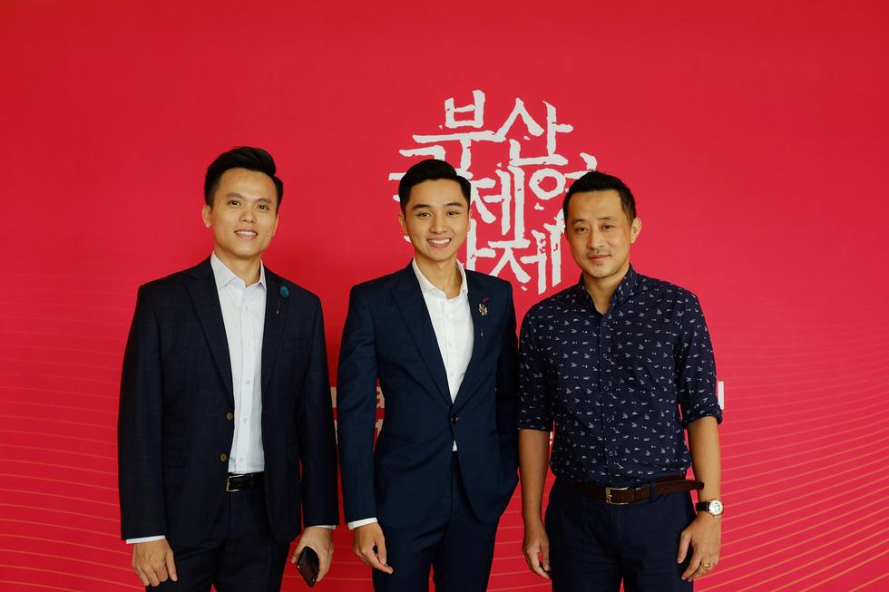 Phim kinh dị Việt Bắc Kim Thang ám ảnh người xem ở Busan - Ảnh 2.