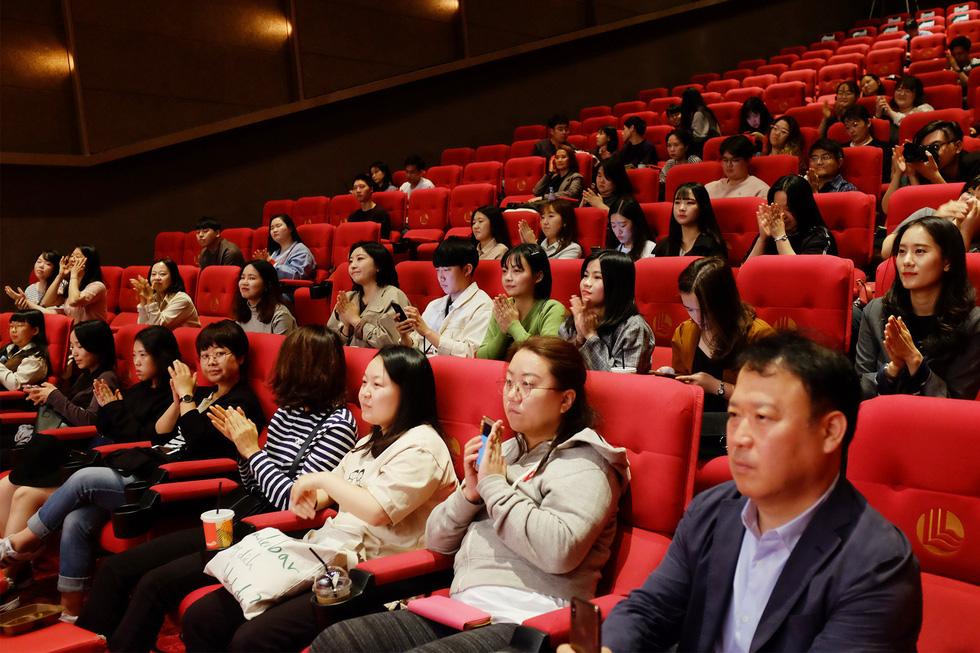 Phim kinh dị Việt Bắc Kim Thang ám ảnh người xem ở Busan - Ảnh 6.