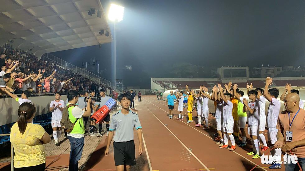 U19 Việt Nam đầy cảm xúc sau khi giành vé dự VCK châu Á 2020 - Ảnh 8.