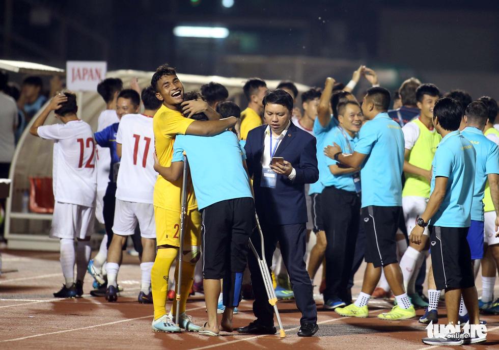 U19 Việt Nam đầy cảm xúc sau khi giành vé dự VCK châu Á 2020 - Ảnh 5.