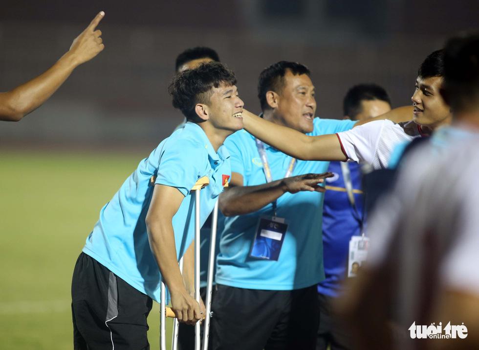 U19 Việt Nam đầy cảm xúc sau khi giành vé dự VCK châu Á 2020 - Ảnh 7.
