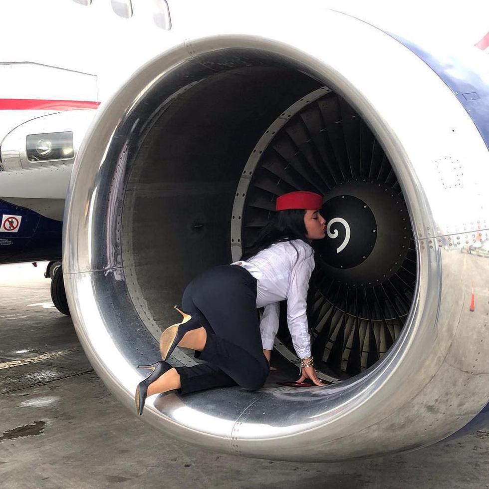 Các nữ tiếp viên xinh đẹp làm gì khi máy bay ế khách? - Ảnh 13.
