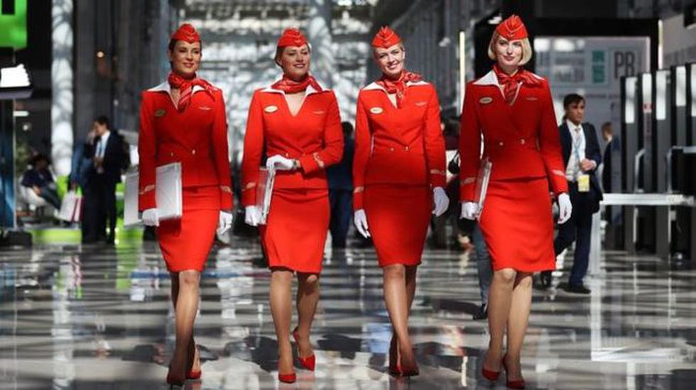 Các nữ tiếp viên xinh đẹp làm gì khi máy bay ế khách? - Ảnh 2.