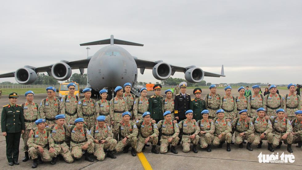 Xúc động giây phút tiễn quân nhân đi gìn giữ hòa bình tại Nam Sudan - Ảnh 11.