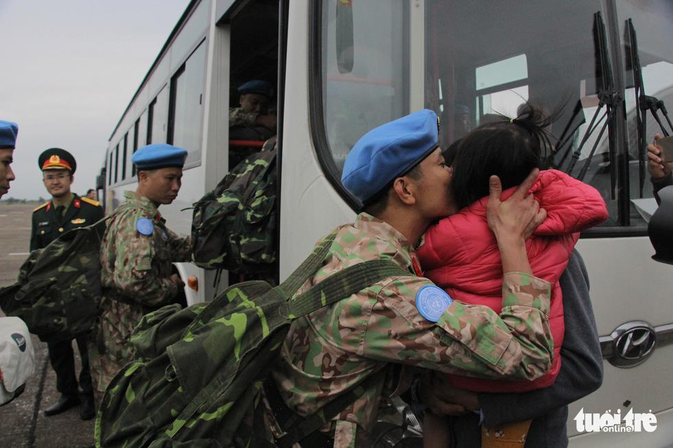 Xúc động giây phút tiễn quân nhân đi gìn giữ hòa bình tại Nam Sudan - Ảnh 9.