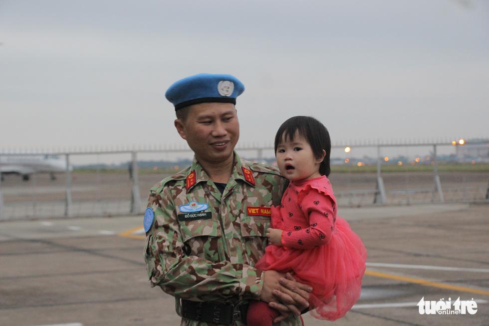 Xúc động giây phút tiễn quân nhân đi gìn giữ hòa bình tại Nam Sudan - Ảnh 3.