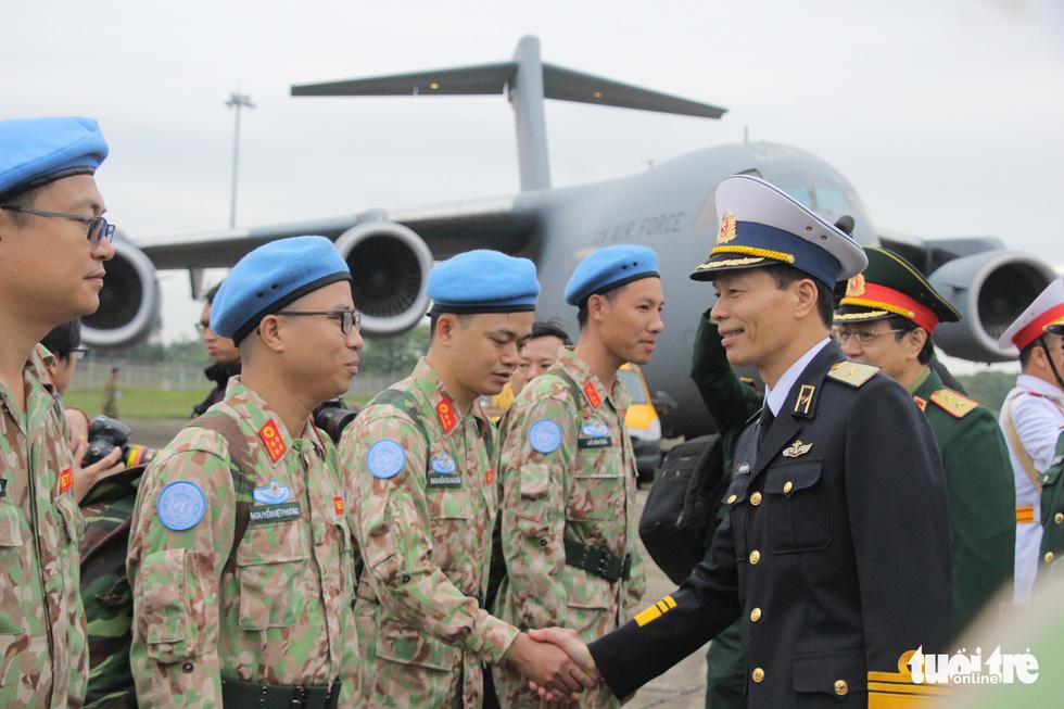 Xúc động giây phút tiễn quân nhân đi gìn giữ hòa bình tại Nam Sudan - Ảnh 1.
