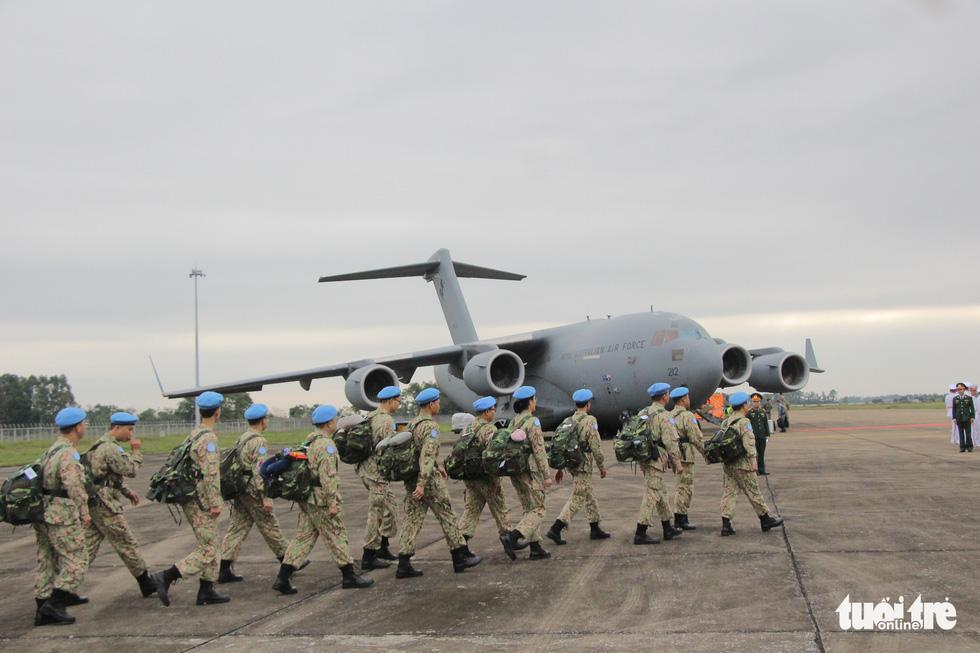 Xúc động giây phút tiễn quân nhân đi gìn giữ hòa bình tại Nam Sudan - Ảnh 10.