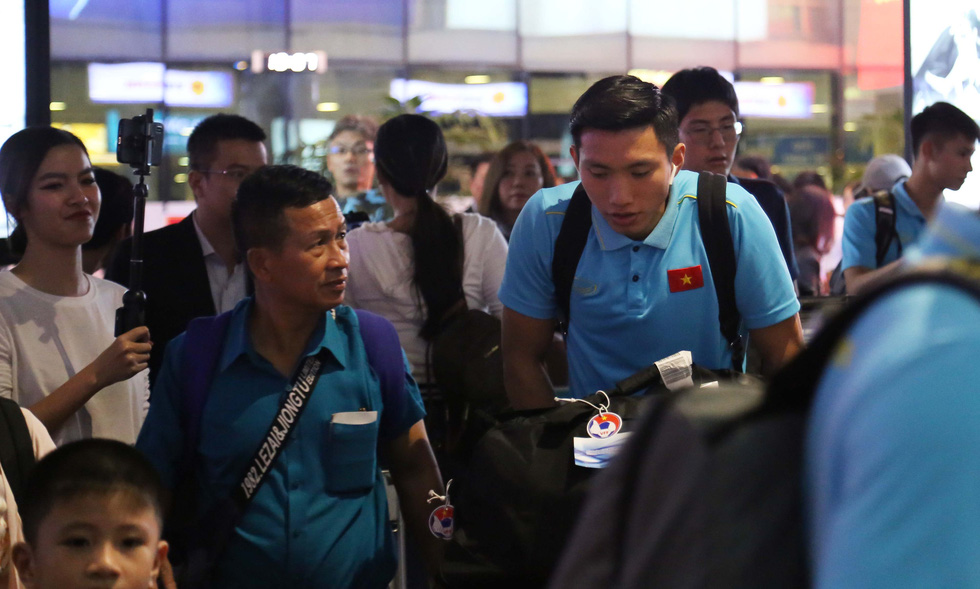Tới TP.HCM trễ, ông Park hủy kế hoạch tập luyện cùng U22 Việt Nam - Ảnh 4.