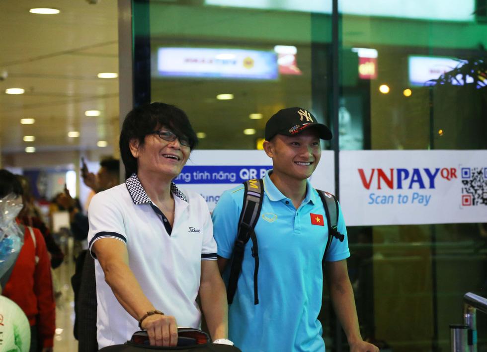 Tới TP.HCM trễ, ông Park hủy kế hoạch tập luyện cùng U22 Việt Nam - Ảnh 6.