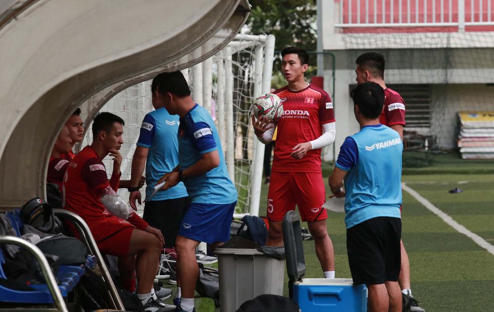 5 cầu thủ đá trận gặp Thái Lan tập riêng trong buổi tập của U22 Việt Nam - Ảnh 4.