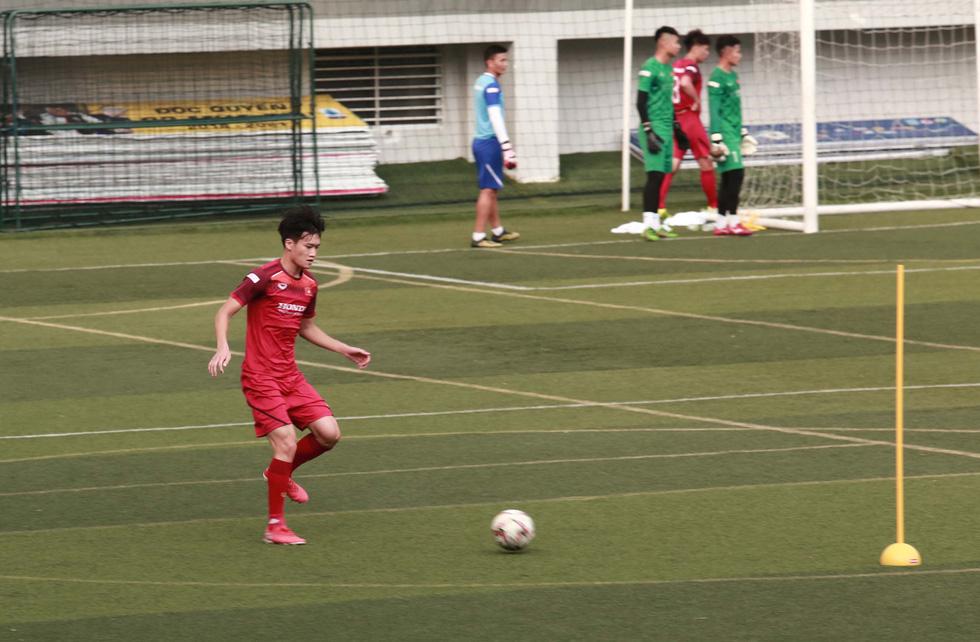 5 cầu thủ đá trận gặp Thái Lan tập riêng trong buổi tập của U22 Việt Nam - Ảnh 5.