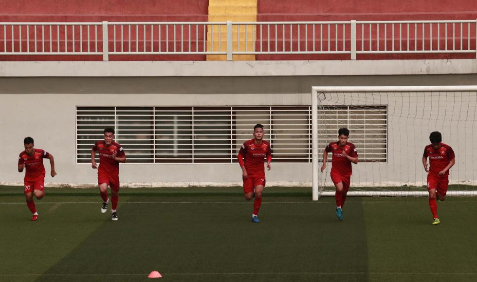5 cầu thủ đá trận gặp Thái Lan tập riêng trong buổi tập của U22 Việt Nam - Ảnh 11.