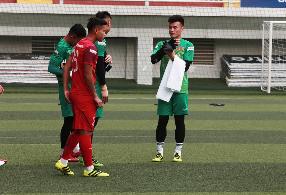 5 cầu thủ đá trận gặp Thái Lan tập riêng trong buổi tập của U22 Việt Nam - Ảnh 9.