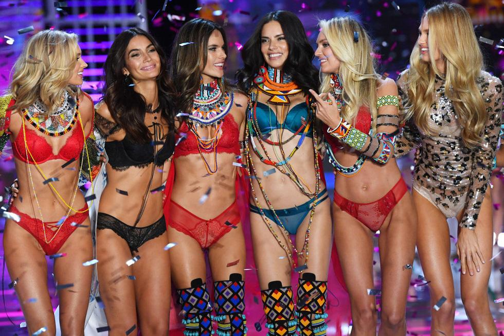 Tại sao Victorias Secret hủy show nội y đình đám khiến bao người sốc? - Ảnh 4.
