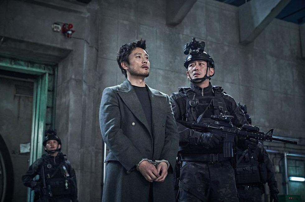 Tình đầu quốc dân Suzy nỗ lực giảm cân để đóng phim thảm họa núi lửa - Ảnh 5.