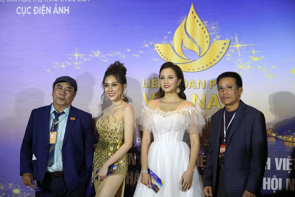 Nhiều nghệ sĩ trẻ dự khai mạc Liên hoan phim Việt Nam 2019 - Ảnh 12.