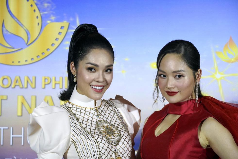 Nhiều nghệ sĩ trẻ dự khai mạc Liên hoan phim Việt Nam 2019 - Ảnh 6.