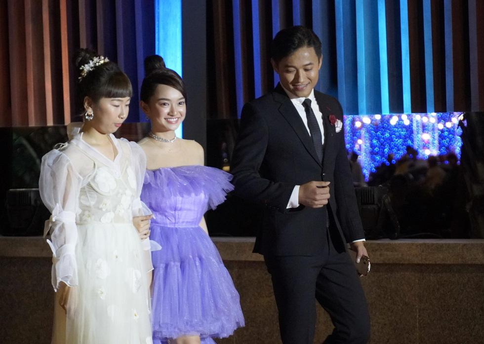 Nhiều nghệ sĩ trẻ dự khai mạc Liên hoan phim Việt Nam 2019 - Ảnh 2.