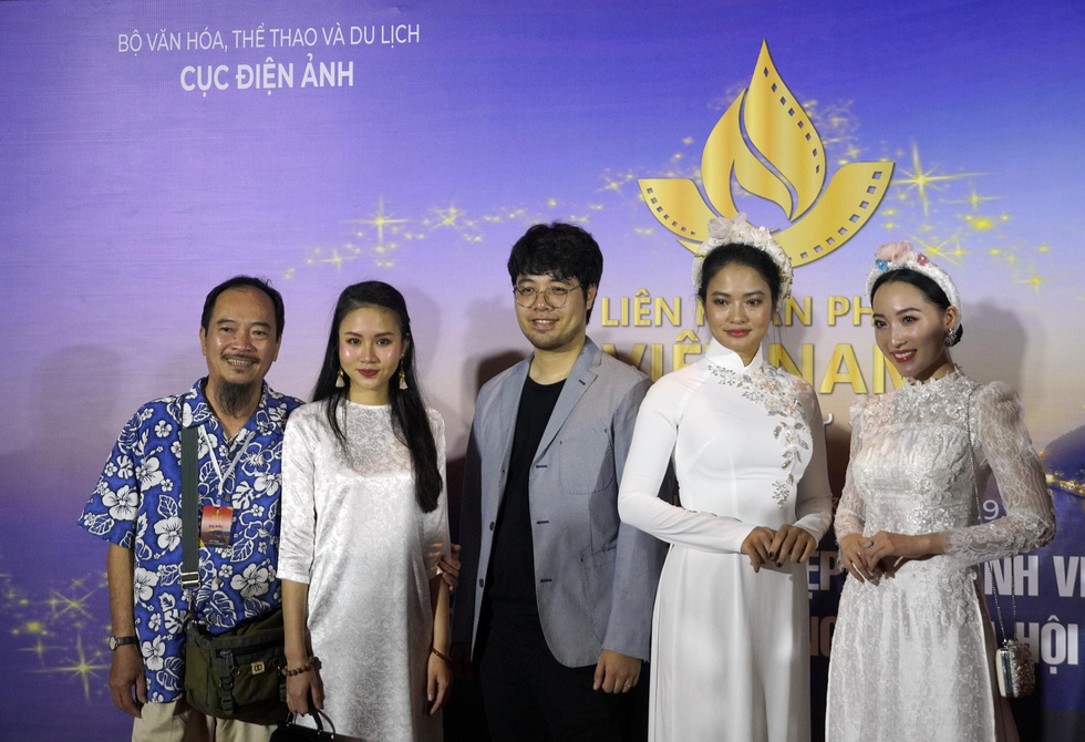 Nhiều nghệ sĩ trẻ dự khai mạc Liên hoan phim Việt Nam 2019 - Ảnh 11.