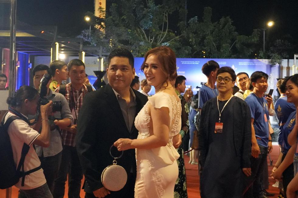 Nhiều nghệ sĩ trẻ dự khai mạc Liên hoan phim Việt Nam 2019 - Ảnh 7.